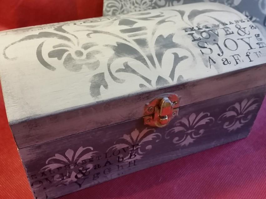 Scatola e cornice in legno decorate a stencil con colori acrilici