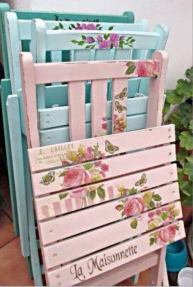 Come recuperare e decorare vecchie sedie da giardino for Sedie decorate a decoupage