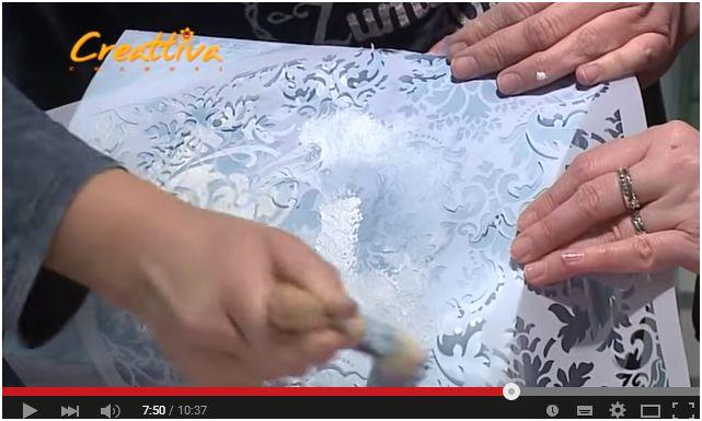 Decorare oggetti in legno con stencil e colori ad acqua