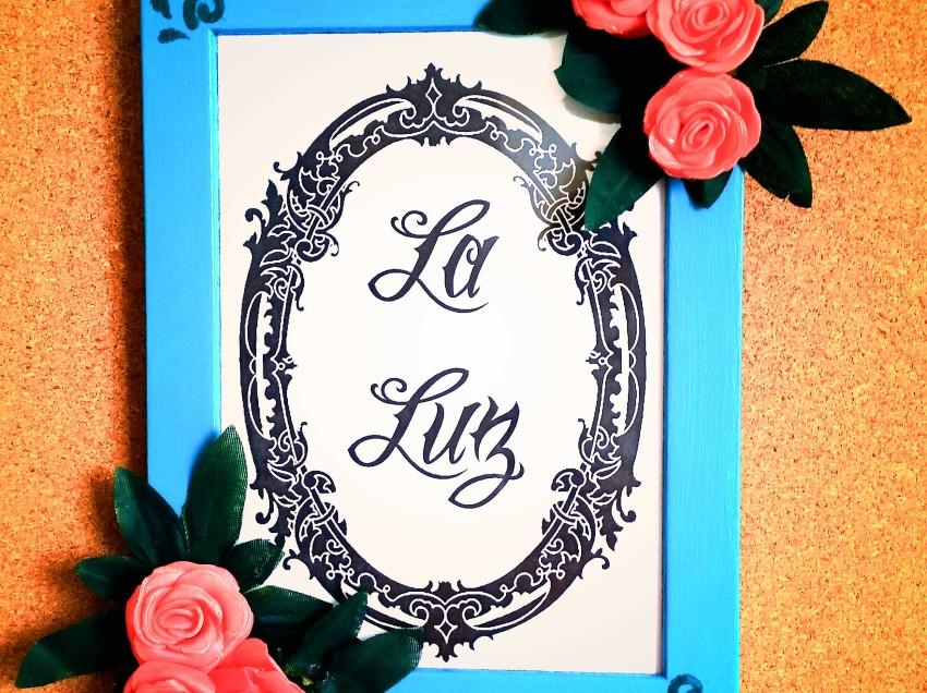Come decorare una cornice portafoto con fiori e rose