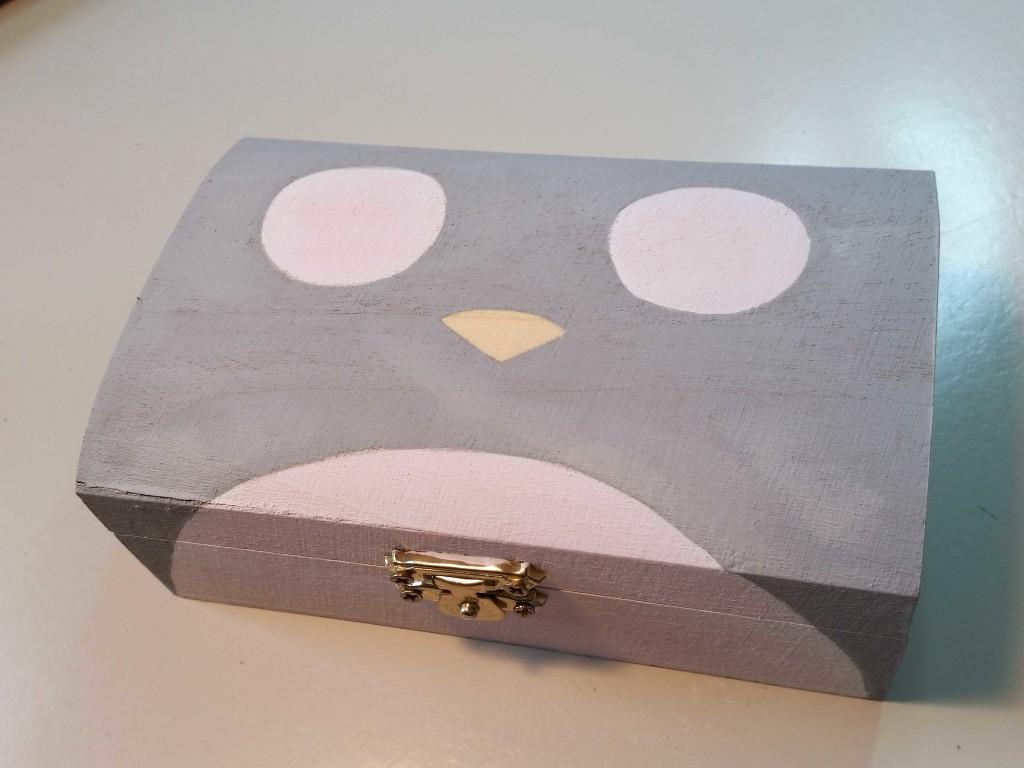 come decorare una scatola con totoro