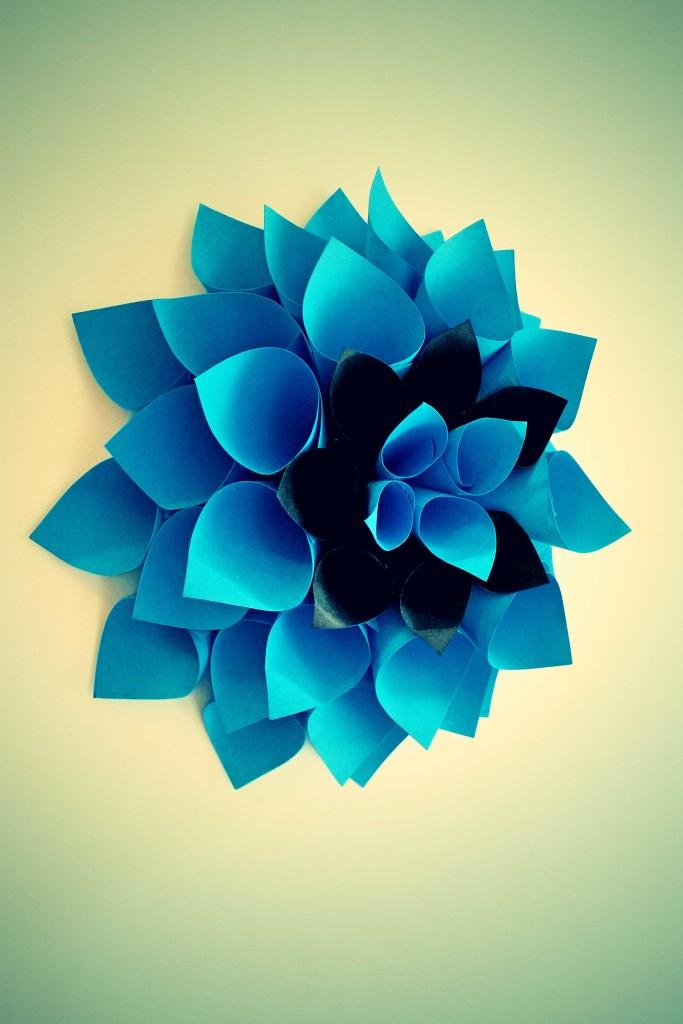 come fare un fiore decorativo di carta fai da te