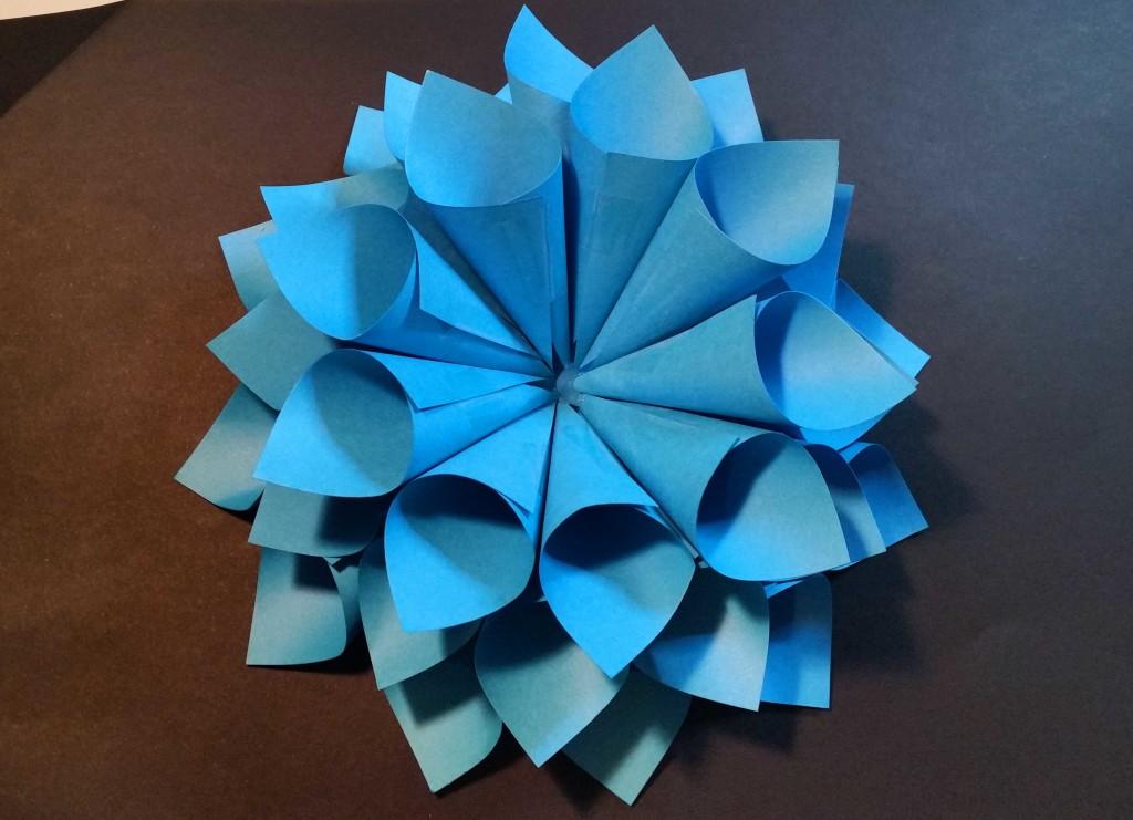 come fare un fiore di carta fatto a mano