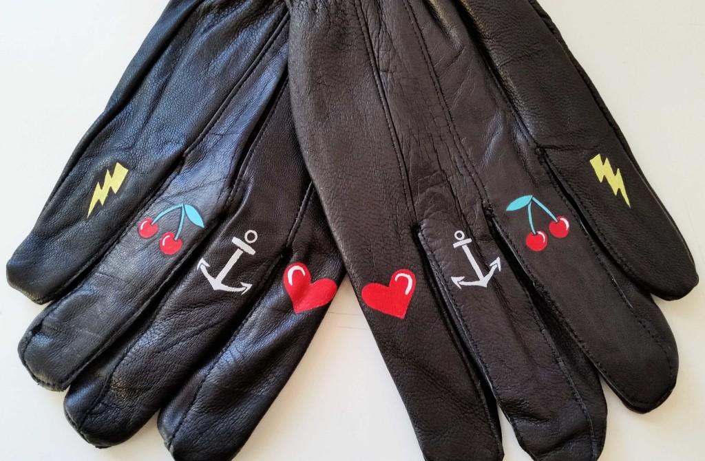 come personalizzare i guanti con colori acrilici