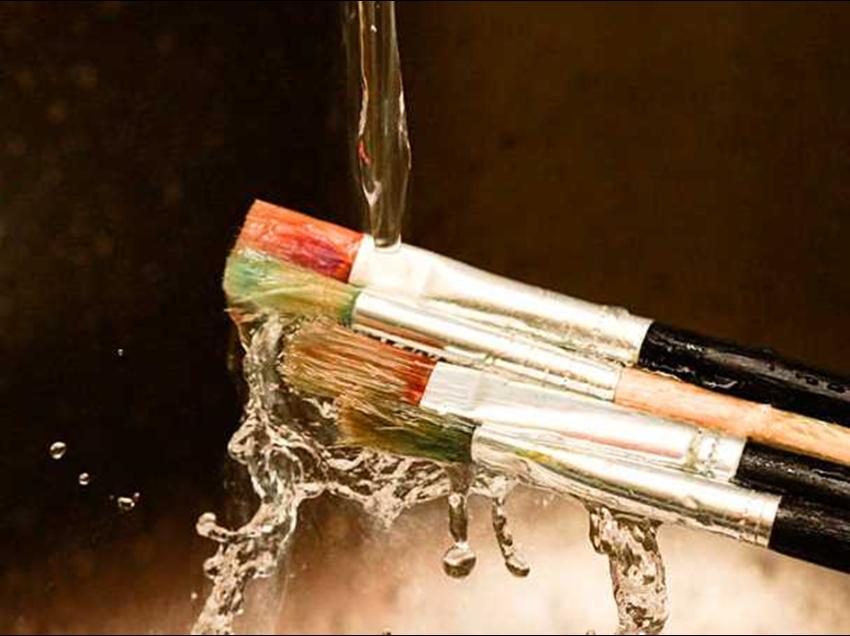Come pulire bene i pennelli per la decorazione